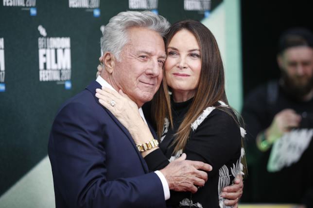 Dustin Hoffman con la seconda moglie Lisa Gotsegen