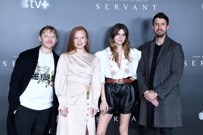 Il cast della serie TV Apple Servant