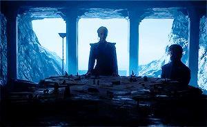 Daenerys e Tyrion a Dragonstone