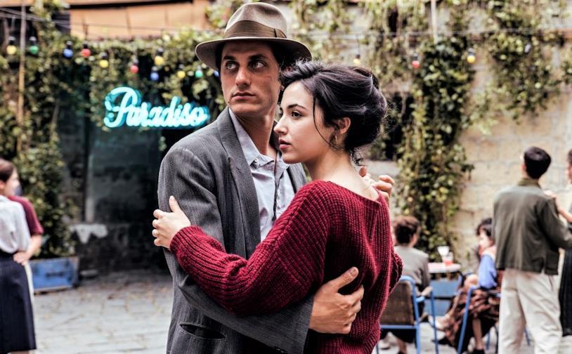 Martin e Margherita si abbracciano