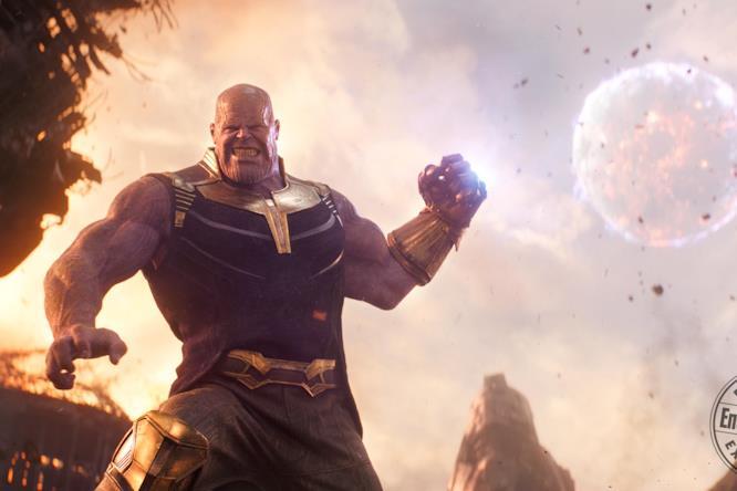 Thanos usa il Guanto con le Gemme dell'Infinito in una scena di Avengers: Infinity War