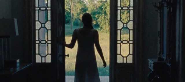Jennifer Lawrence apre la porta a nuovi ospiti inattesi nel film madre!
