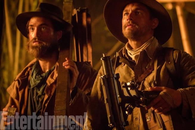 Robert Pattinson e Charlie Hunnam in The Lost City of Z