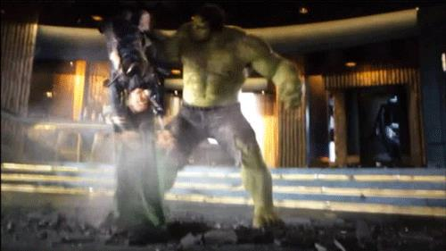 Hulk e Loki in Avengers