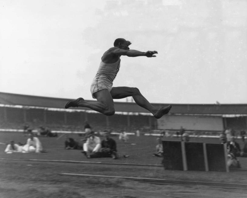 Salto in lungo: Jesse Owens