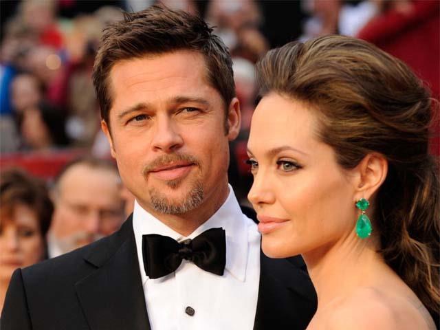 Una vecchia foto di Brad Pitt e Angelina Jolie