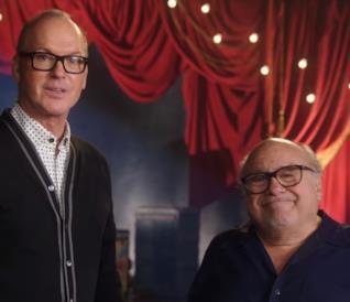 Danny DeVito e Michael Keaton fanno a gara a chi conosce meglio Tim Burton