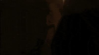 GIF del teaser di GoT 8 con Jon che cammina a fianco della statua della madre Lyanna