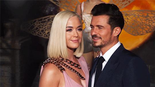 Katy Perry e Orlando Bloom sul red carpet della prima di Carnival Row
