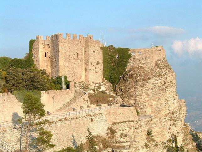 Il castello di Erice nel trapanese