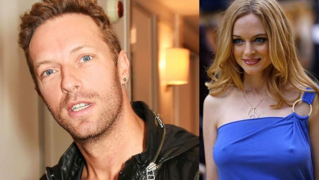 Primo piano di Chris Martin e Heather Graham