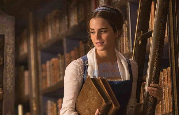Belle in una scena de La Bella e la Bestia