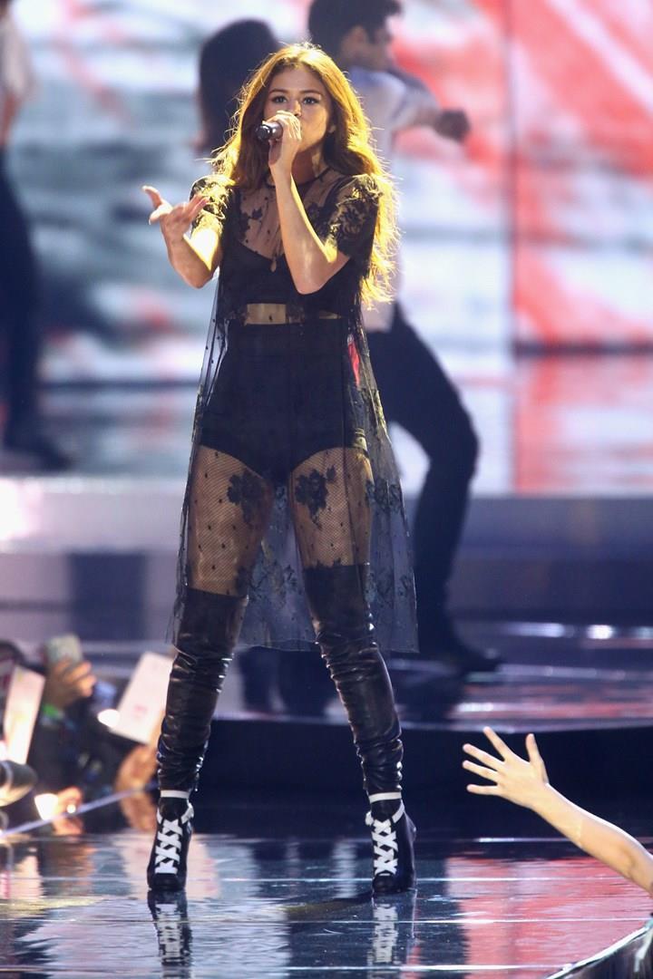 Selena Gomez sul palco del WE Day