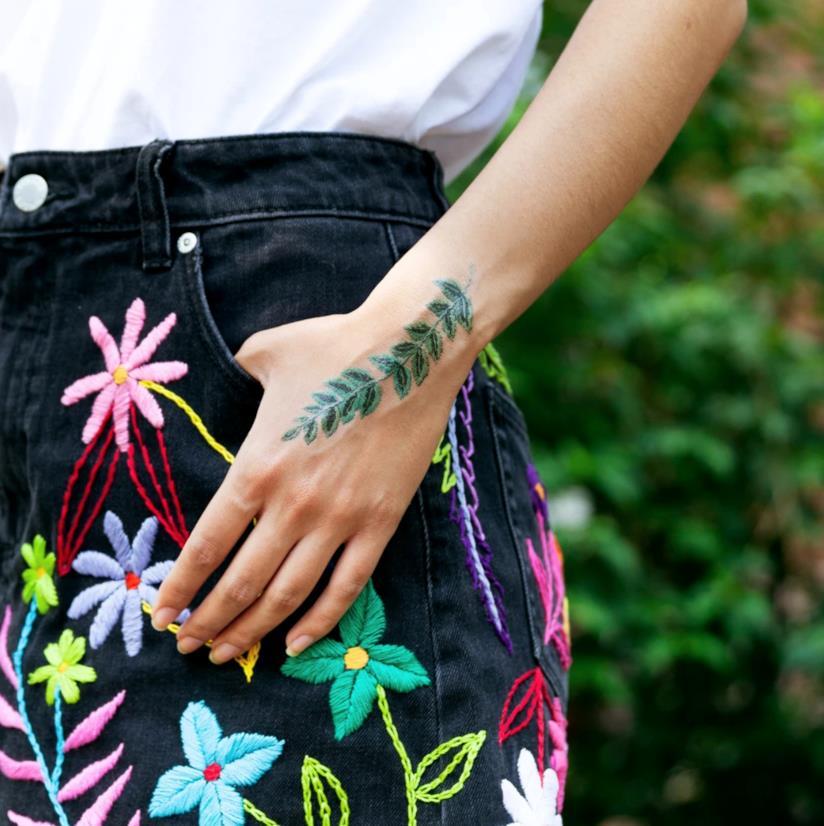 I tatuaggi temporanei ricamati acquistabili su Tattly