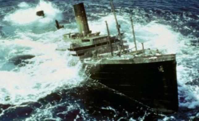 Il Titanic recuperato dagli abissi nel film Blitz nell'Oceano