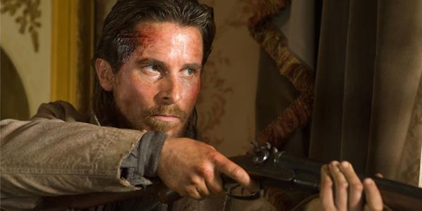 Christian Bale in una scena del film Hostiles
