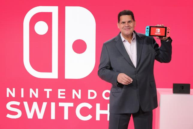 Reggie Fils-Aime in uno scatto durante la presentazione di Nintendo Switch