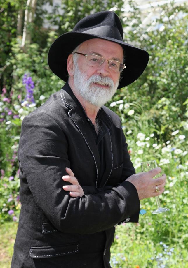 Good Omens, Terry Pratchett persuade Neil Gaiman a scrivere la serie TV