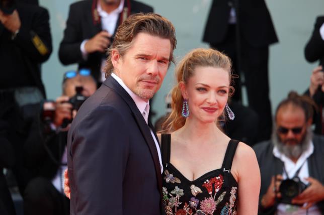 Ethan Hawke e Amanda Seyfried a Venezia 74