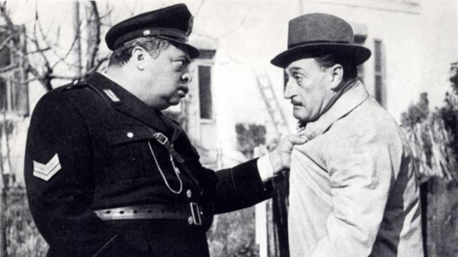 Aldo Fabrizi e Totò in una scena del film