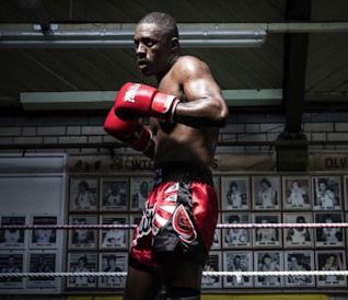 L'attore Idris Elba nel film Fighter