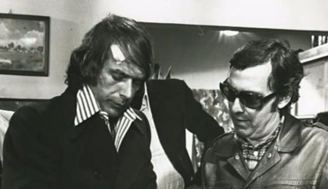 Umberto Lenzi assieme a Tomas Milian sul set de Il cinico, l'infame, il violento