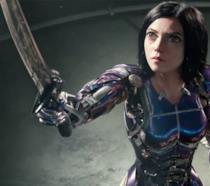 Un primo piano di Rosa Salazar in CGI in Alita: Angelo della Battaglia