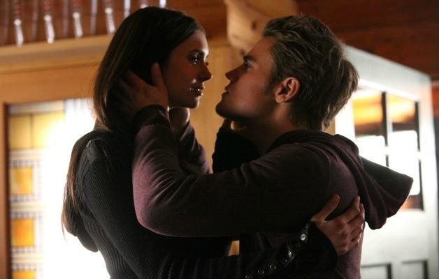 Un'immagine di Elena e Stefan in The Vampire Diaries