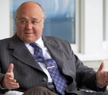 Russell Crowe nel ruolo di Roger Ailes