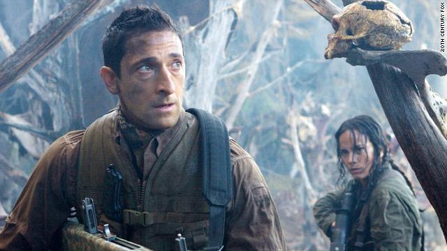 Adrien Brody cerca di sopravvivere a Predator