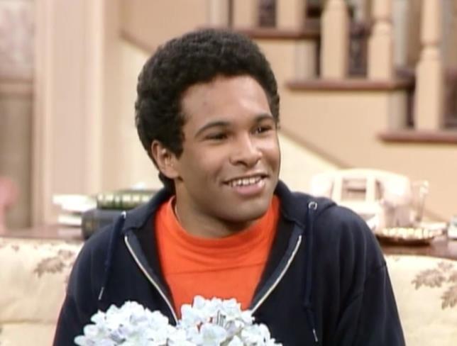 Alvin Tibideaux è interpretato da Geoffrey Owens