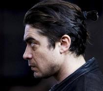 Profilo di Riccardo Scamarcio durante le riprese del film Pericle il Nero