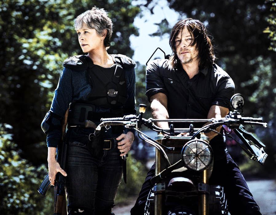 Carol e Daryl in una foto promozionale di The Walking Dead 8