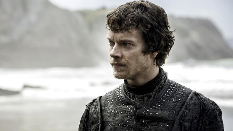 Alfie Allen nei panni di Theon Greyjoy