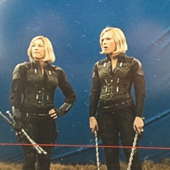 Heidi Moneymaker and Scarlett Johansson durante una pausa sul set di un film Marvel