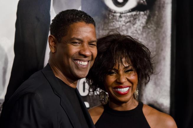 Il due volte premio Oscar Densel Washington insieme alla moglie