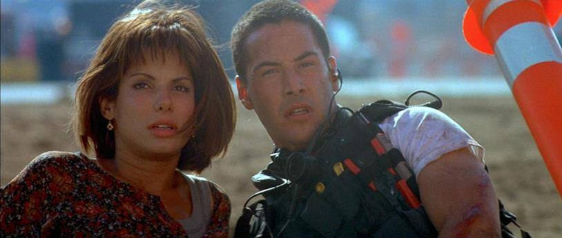 Sandra Bullock e Keanu Reeves in una scena del film Speed