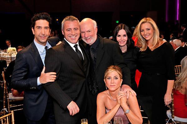 Il cast di Friends con James Burrows