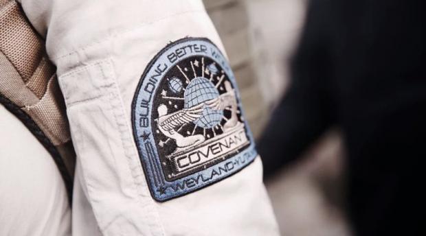 In Alien: Covenant i coloni sono pronti a sbarcare sul misterioso pianeta