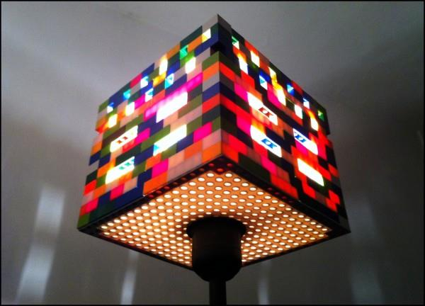 Costruzioni LEGO fai-da-te: lampada da tavolo funzionante