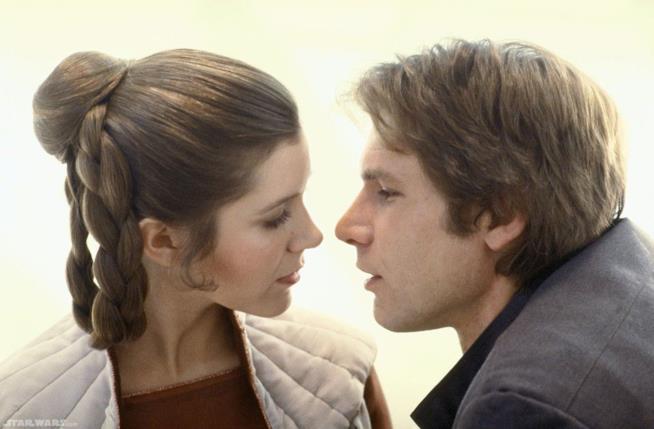 Carrie Fisher e Harrison Ford nei panni della Principessa Leia e Han Solo in Star Wars