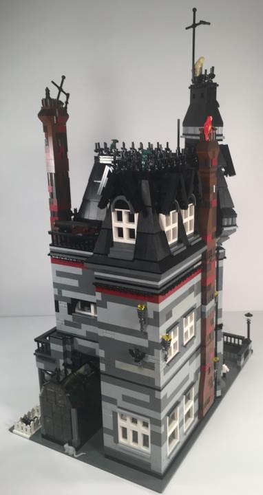 Deettagli del tetto della casa della famiglia Addams di LEGO
