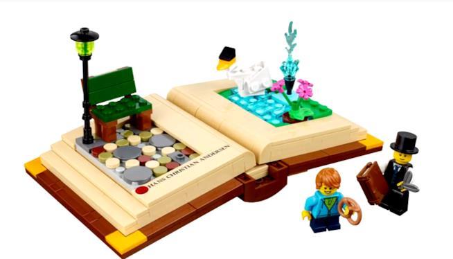 Primo piano del libro pop-up di LEGO Ideas
