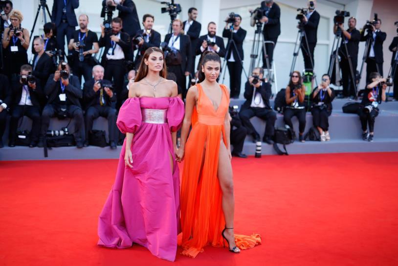 Dayane Mello e Giulia Salemi sul red carpet di Venezia 73