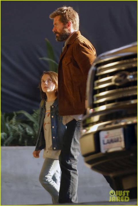 Logan e una bambina sul set di Wolverine 3