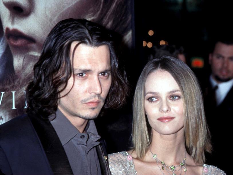Johnny Depp e Vanessa Paradis in primo piano
