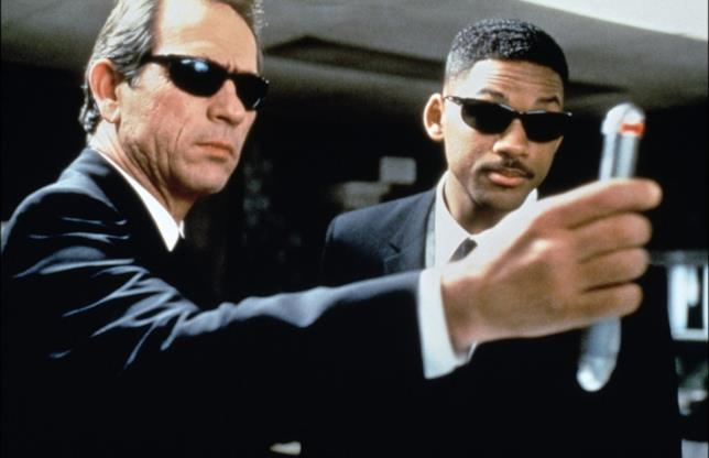 Tommy Lee Jones e Will Smith in Men in Black