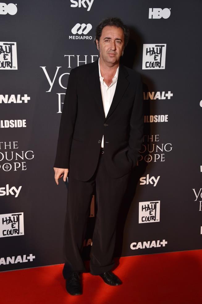 Paolo Sorrentino a Parigi sul red carpet di The Young Pope