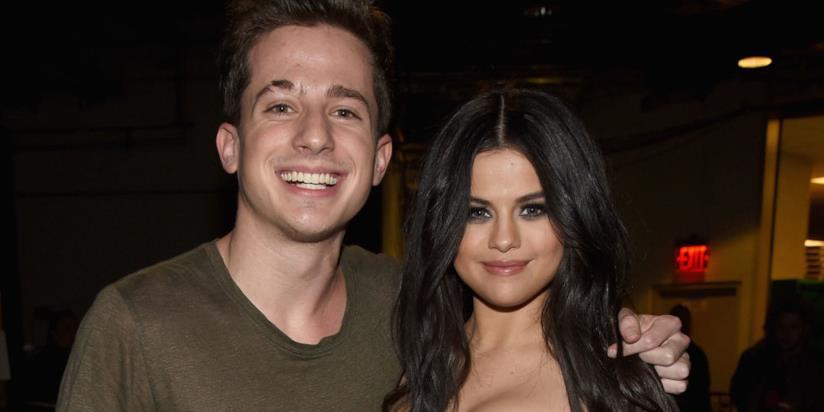 Primo piano di Selena Gomez e Charlie Puth