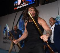Jason Momoa durante l'Haka alla prima di Aquaman